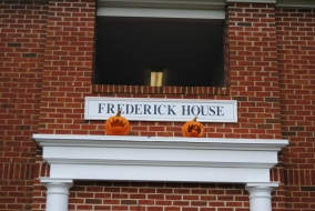 The ZTA's are decorating for fall and putting everyone in the Halloween spirit!